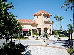 Shopping Center in Fort Myers